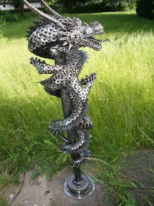 2a-Large-Fantasy-Sculpture-Dragon-2-Giganten-Aus-Stahl