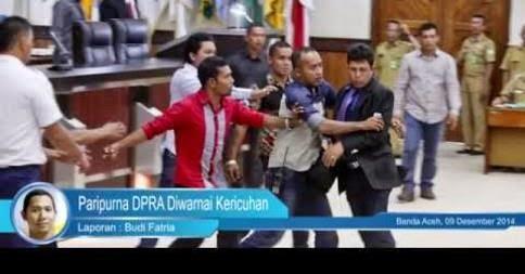[Video] Paripurna DPR Aceh Diwarnai Kericuhan
