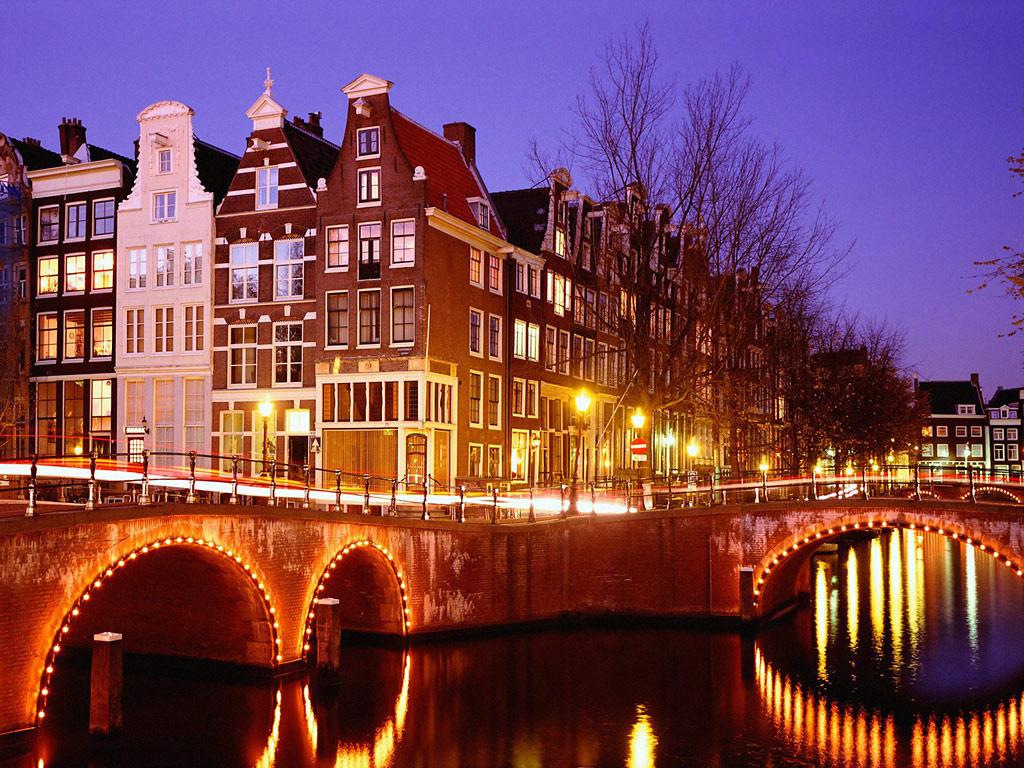 Amsterdam una vacanza tra i canali in bicicletta for Amsterdam vacanza