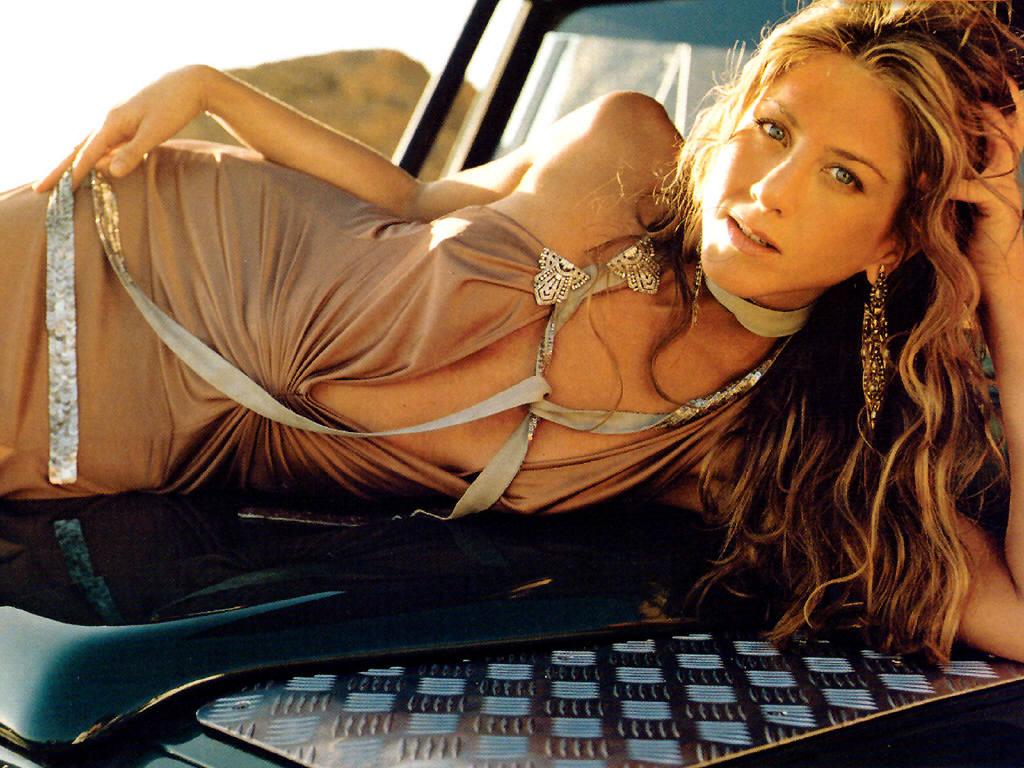 http://3.bp.blogspot.com/-sQnpbNtvVrM/TlIRbfxdFQI/AAAAAAAAAKY/4e0pxp2S6rk/s1600/Jennifer-Aniston-14.jpg