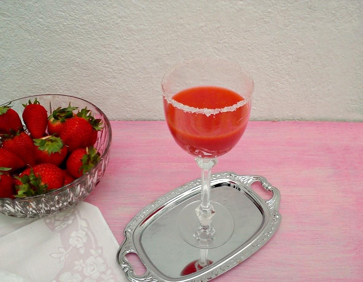 Coctel de Fresas y Papaya
