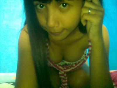Foto Anak Gadis SMP berpose Nakal (HOT)