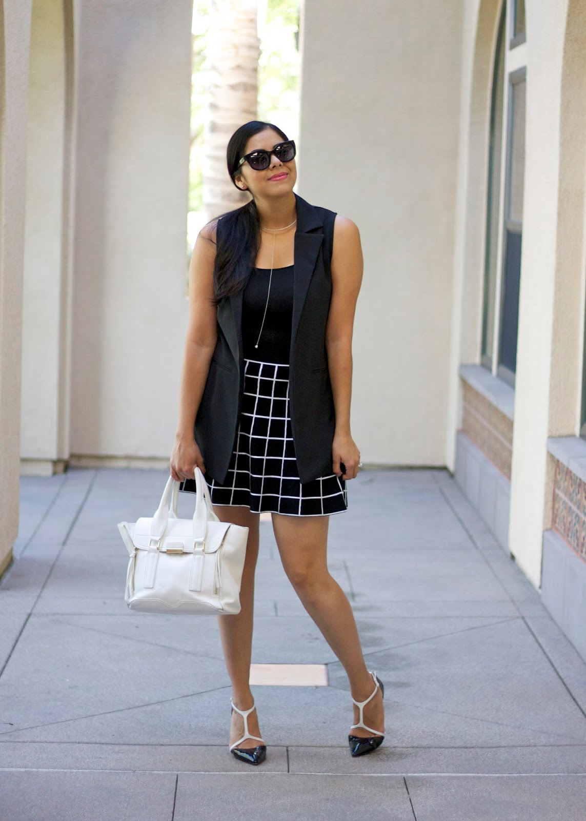 fashion forward black and white outfit, california blogger, socal blogger, latina blogger, latina bloggers