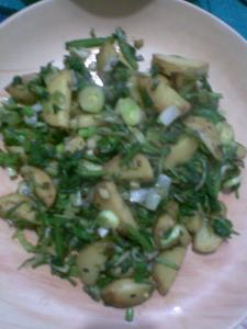 aalu palak with spring onions
