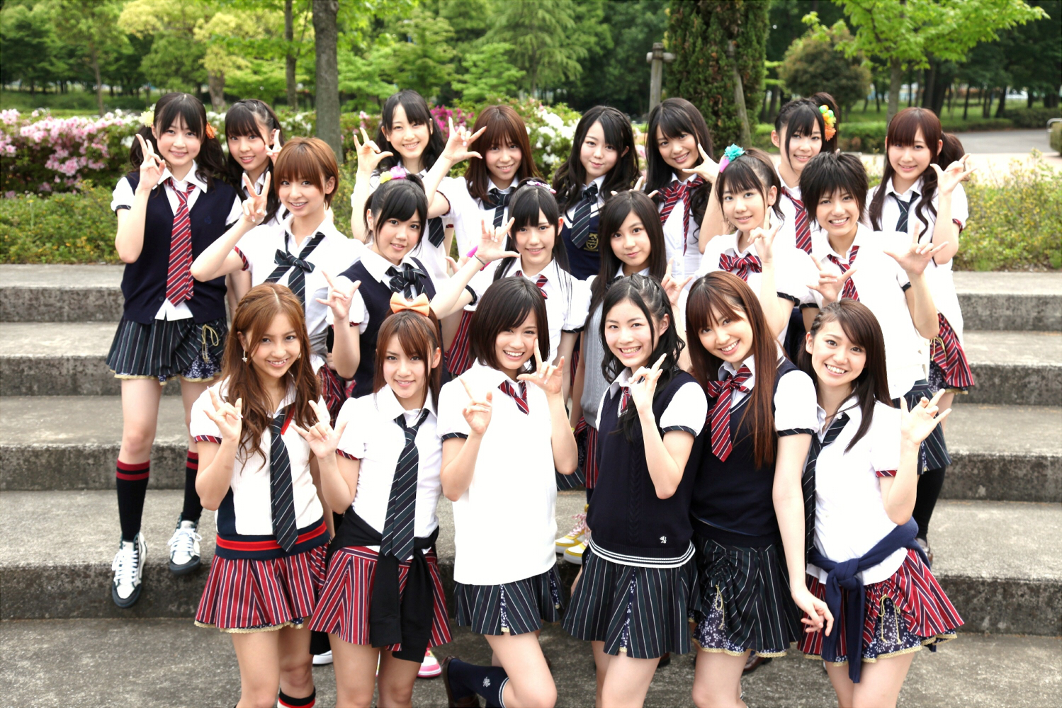 Japan S Quot Unique Quot Japanese Girls Group Social Phenomenon
