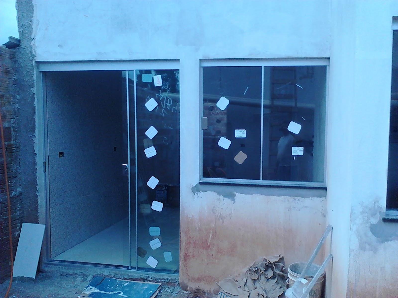 #1278B9 Detalhe a Porta no sistema Versatik para maior aproveitamento da  114 Janelas De Vidro Em São Luis