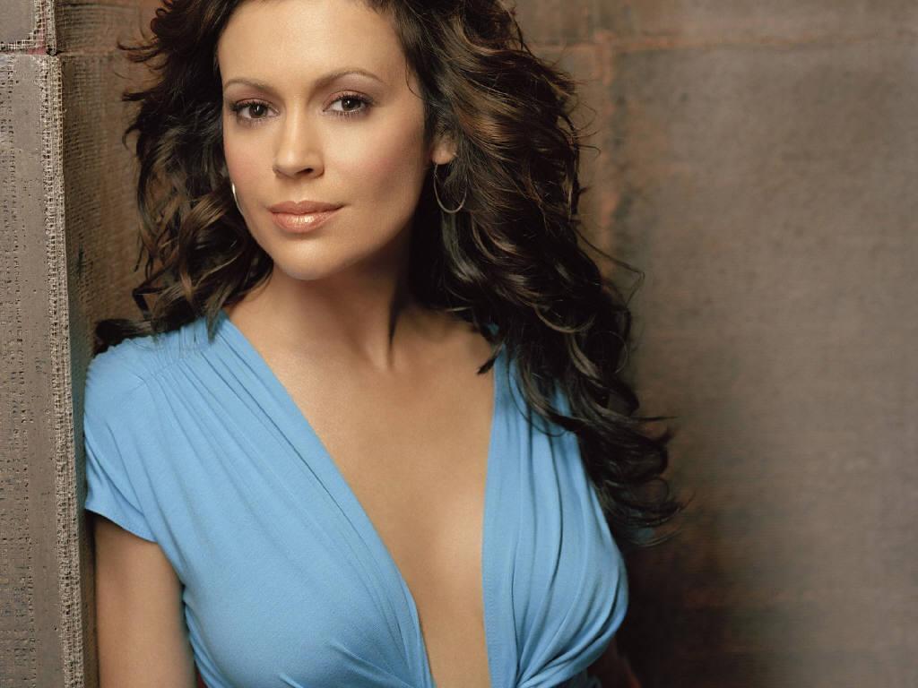 Angelina Jolie Hd Hot Wallpapers 2013: Alyssa Milano Profile And ...