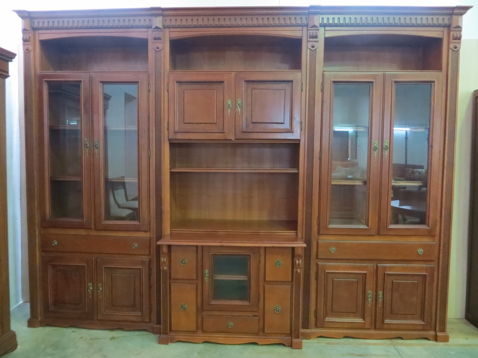 Muebles y art culos de decoraci n a precios chollo mueble for Muebles clasicos en lucena