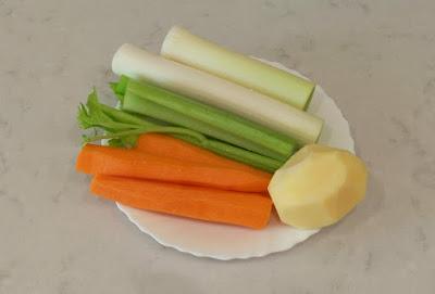 Zanahoria + puerro + apio + patata