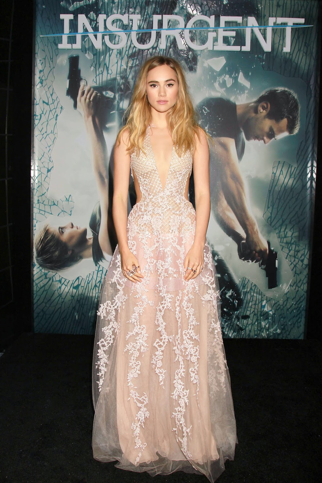 Suki Waterhouse in a low-cut dress at the 'Insurgent' NY premiere
