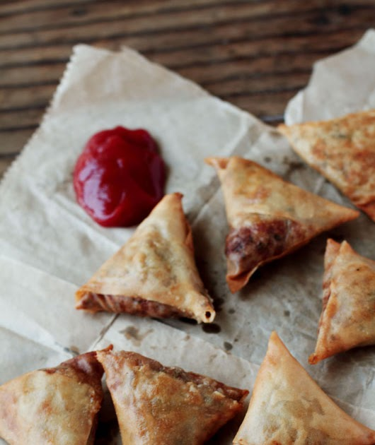 Lentil Stuffed Samosas – Dal ke Samose a Guest Post by Journey Kitchen