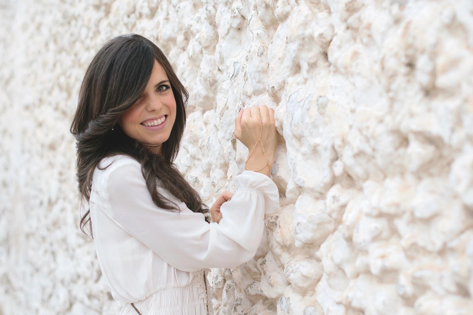 Total white de Zara para un look de noche