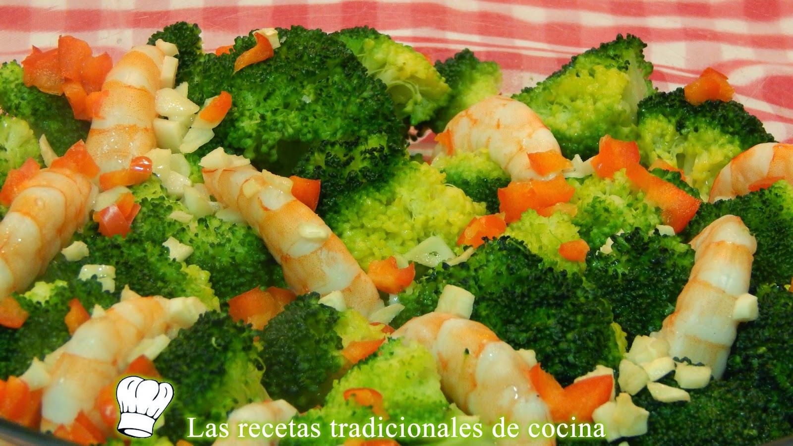 Brócoli al horno con langostinos