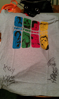 MASScanvas 'We've Got The Bomb' shirt Signed by the members of My Chemical Romance