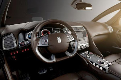 Interior of 2012 citroen ds5 hibryd.