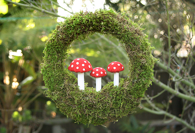 Moss Toadstool Wreath - Please Note