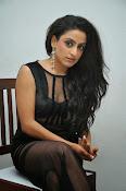 Vriti Khanna sizzling photos gallery-thumbnail-3