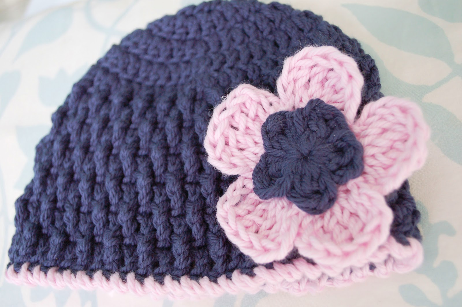 Crochet Hat Patterns Flowers : Alli Crafts: Free Pattern: Triple Crochet Flower