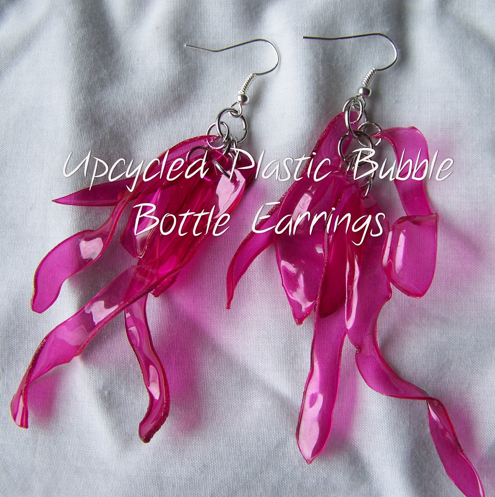 Poppy juice jewelry made from recycled plastic bottles - Plastic bottle jewelry making ...