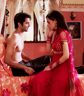 : Iss Pyaar Ko Kya Naam Doon (IPKKND) 30th July 2012 Written Update