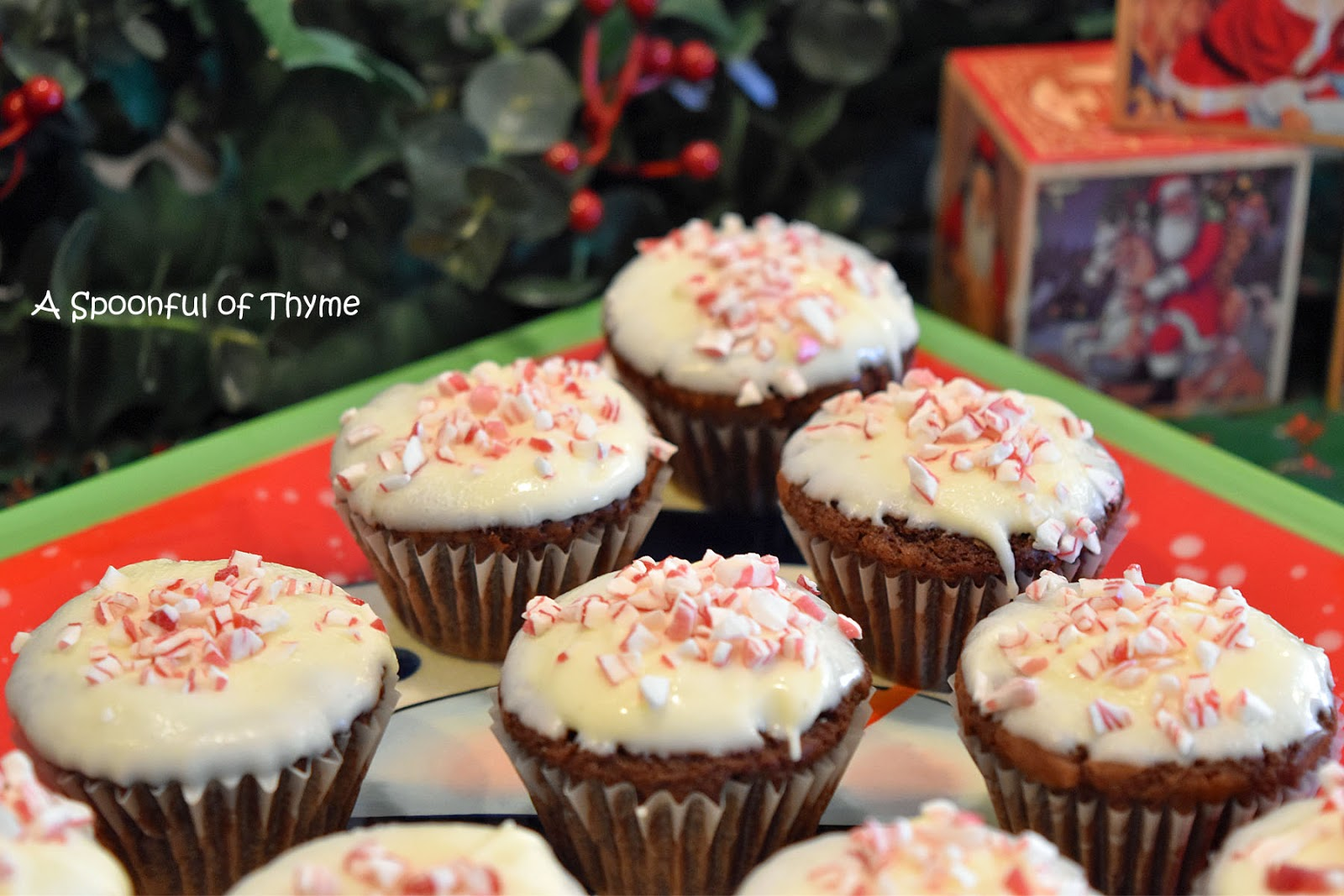 Spoonful of Thyme: Peppermint Crunch Brownie Bites