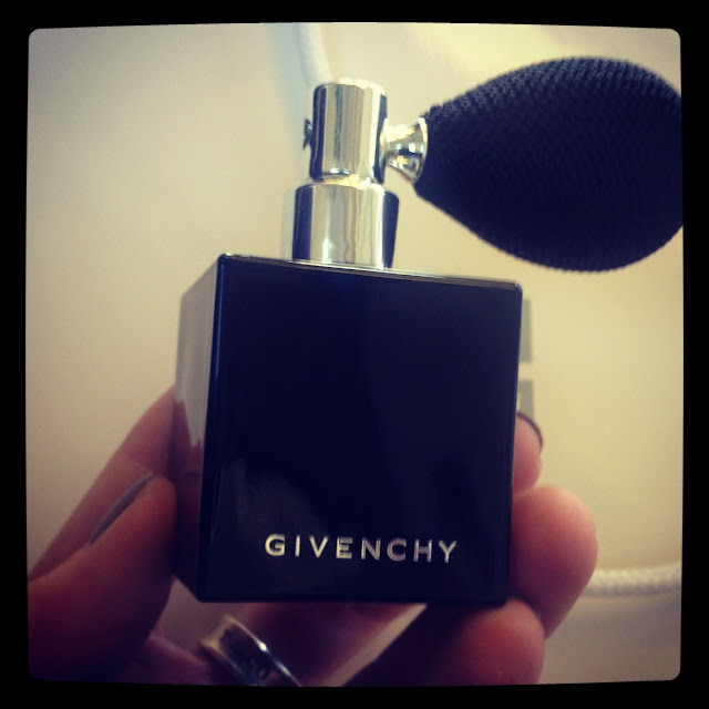 Givenchy L'Argent Celeste Starry Loose Powder Scintillating Body