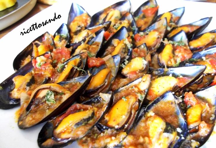 Cozze ripiene al sugo alla Vastese ricetta pesce tradizionale