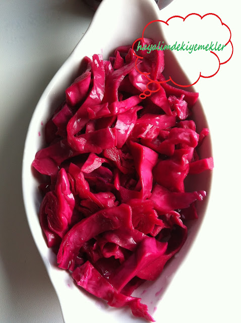 resimli kırmızı Lahana Turşusu tarifi Kara lahana Turşusu Tarifi