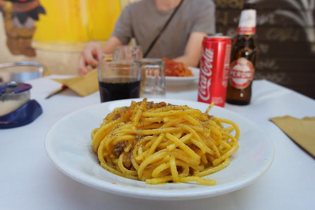 Pasta, trattoria, Carbonara, Roma Street, Rome, Roma, Voyage, Vlog, Roadtrip, blog,