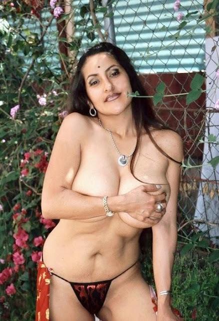 Busty Indian Aunty Fucking Photo