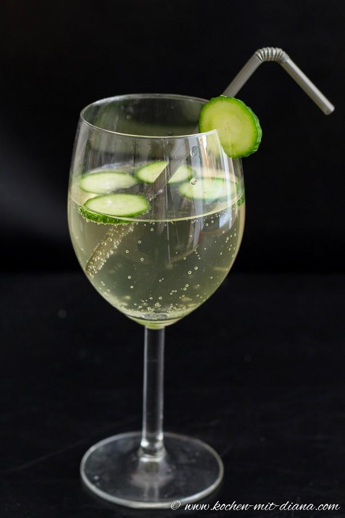 ... Gurkensirup/ Cucumber spritzer made from homemade cucumber syrup