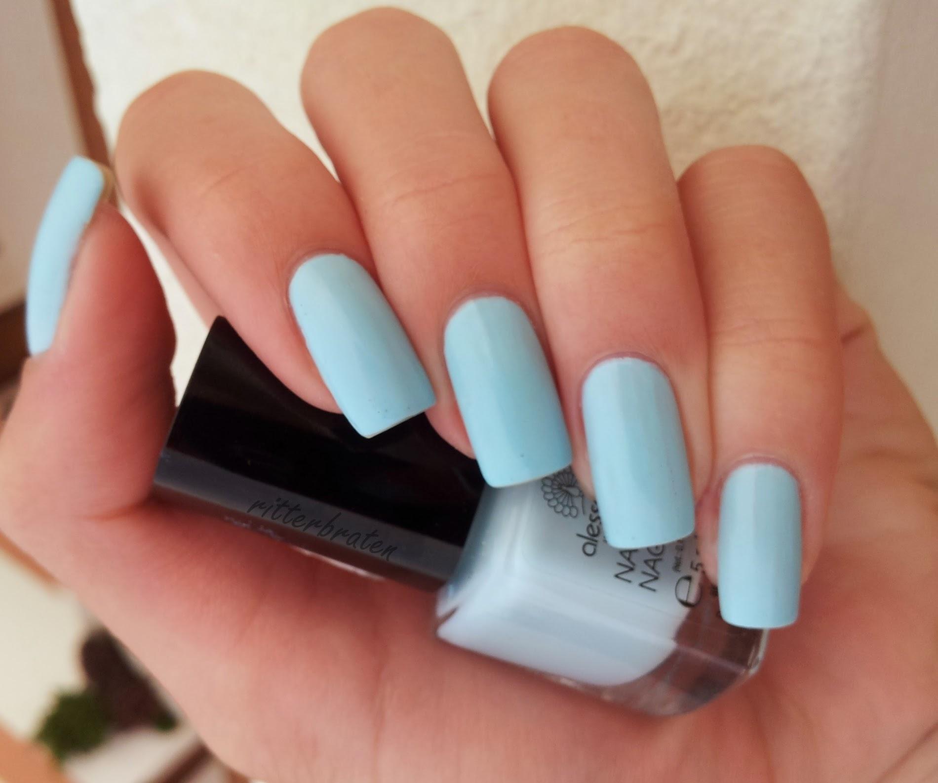 Alessandro Pale Blue Lagoon nail polish