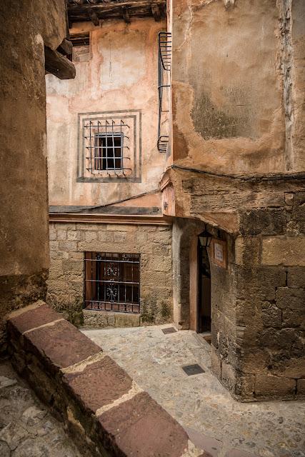 Albarracín :: Canon EOS5D MkIII | ISO200 | Canon 24-105 @24mm | f/5.0 | 1/25s