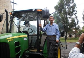 Compra del Primer Tractor