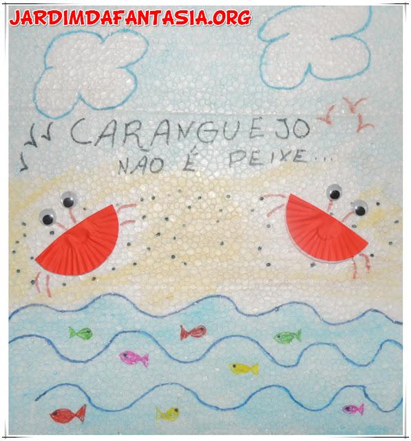 Artes Manuais Mural com elementos da cantiga Caranguejo não é peixe