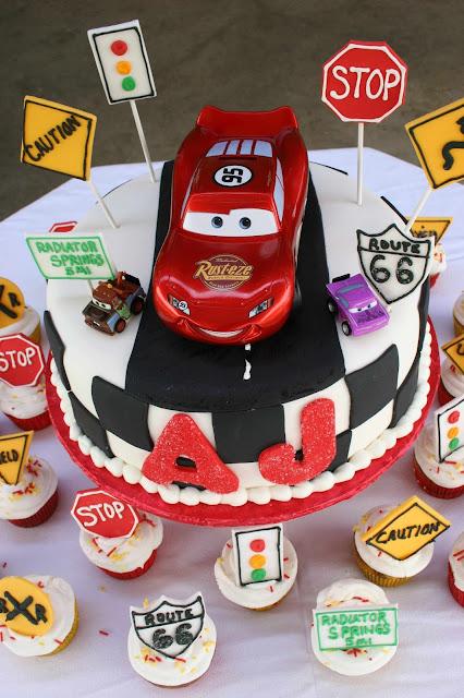 TORTA CAKE  FIESTA MOTIVO CARS