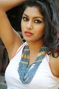 Akshida Hot Photos from Yuddam Movie Song shooting spot-thumbnail-12
