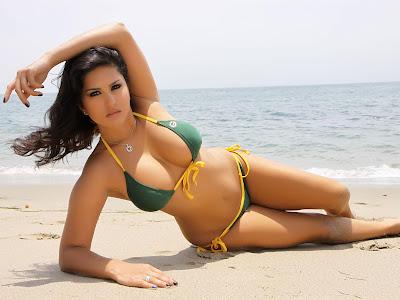 Sunny Leone Actress Wallpapers 03