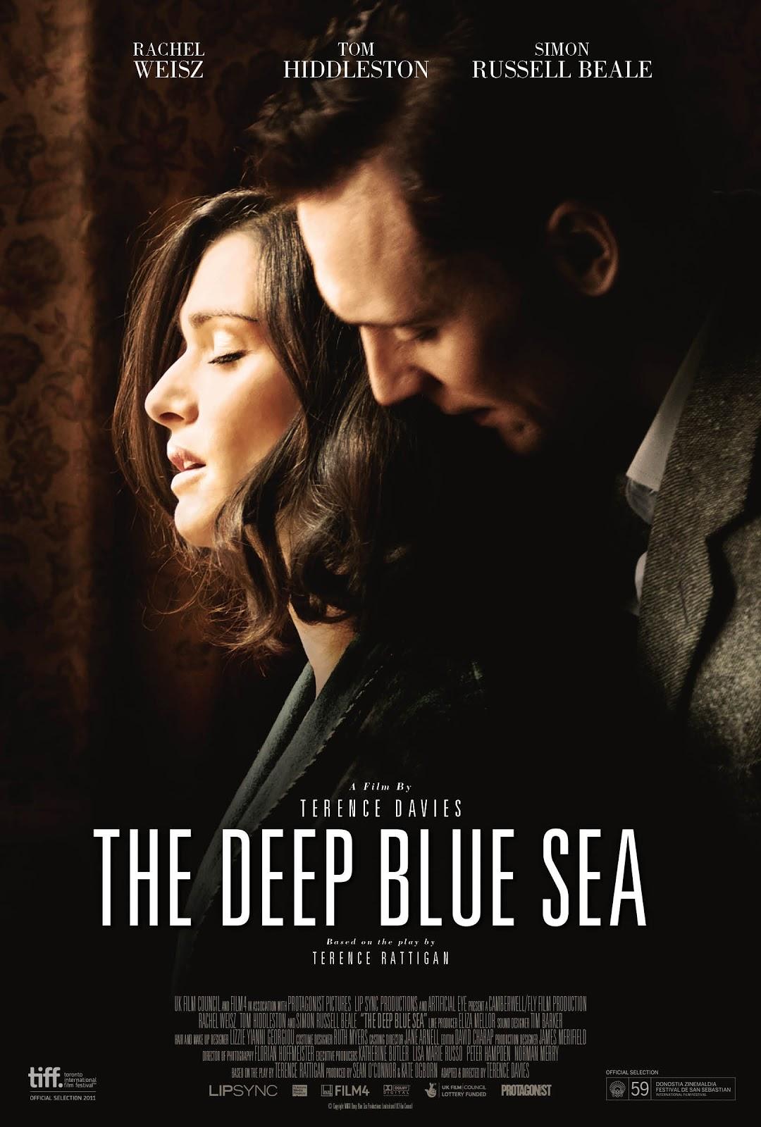 http://3.bp.blogspot.com/-sW9f3gd6FfI/UOxsdln4KdI/AAAAAAAABqU/osKHiQVqfAo/s1600/deep_blue_sea_xxlg.jpg
