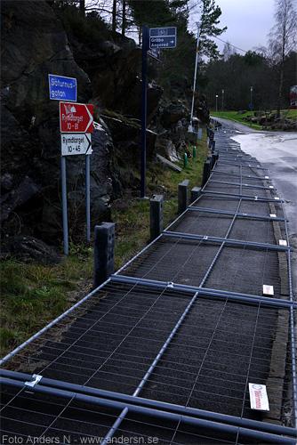 trottoar, staket, vält, fallet, storm, höststorm, 2011, gallrad, foto anders n