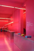 interiorisme en color Magenta botiga Agatha Ruíz de la Prada