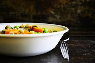 http://raiasrecipes.com/2014/01/quick-easy-veggie-lentil-soup.html