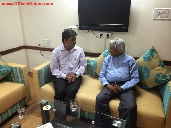 Met Dr.Vikrant Pandey, DC Valsad in Ahmedabad...wonderful discussion about the innovative things he is doing.