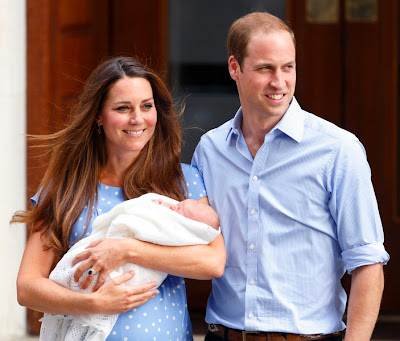 Royal Family Picture New born Prince George Duke Prince William and Duchess Catherine