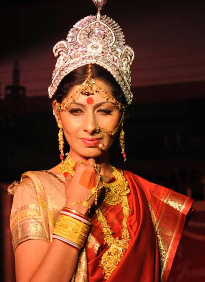 Costumes Of Bengal For Men And Women Traditional