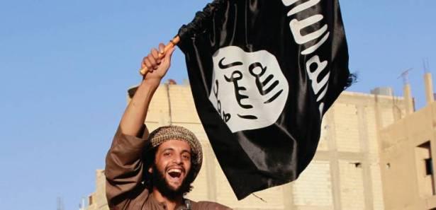 """ظهر بلباس أفغاني حاملا سلاحا .. الإطاحة بـ""""عسكري جهادي"""" بعد نزوله من الجبل!"""