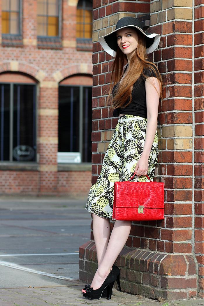 Amsterdam Fashion Week Blogger Outfit Retro Chique Summer 2014 Pineapple Primark Skirt Vintage