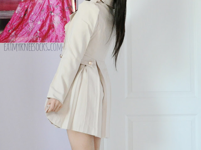 SheIn's pleated puff-shoulder trench coat is a super cute, sweet, ulzzang-style jacket that's perfect for spring and autumn.