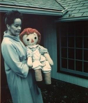 Boneka jenis Raggedy Ann Doll