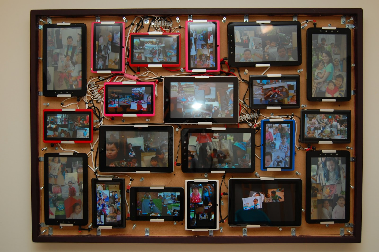 Minn\'s Blog: Custom Photo Frame Display From Multiple Android Tablets